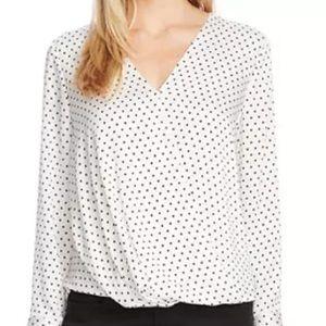 VixbeTanila Surplicwe cream blouse with black dots
